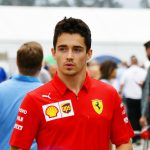 Ferrari-Pilot Charles Leclerc modelt für Designer Giorgio Armani