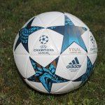 Bayern München und Bayer Leverkusen dürfen zu Hause spielen