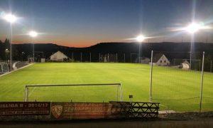 LED Strahler leuchten über Thalheimer Sportplatz