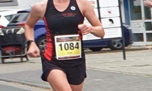 Lisa Müller siegt beim 10 Kilometer Lauf in Eschborn